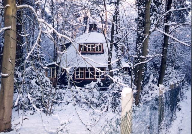 Chắc hẳn, nhiều người sẽ nhầm lẫn ngôi nhà xinh xắn này là nơi trú ngụ của ông già Noel