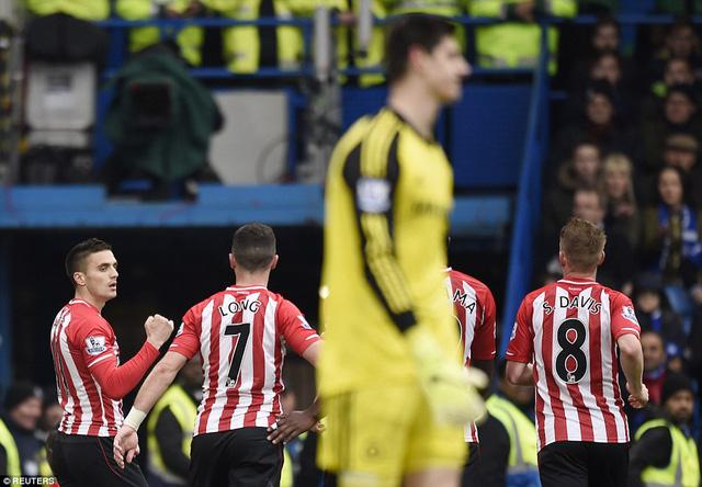 Nhờ quả đá penalty thành công, Southampton lần thứ hai cầm chân Chelsea ở mùa giải EPL này.