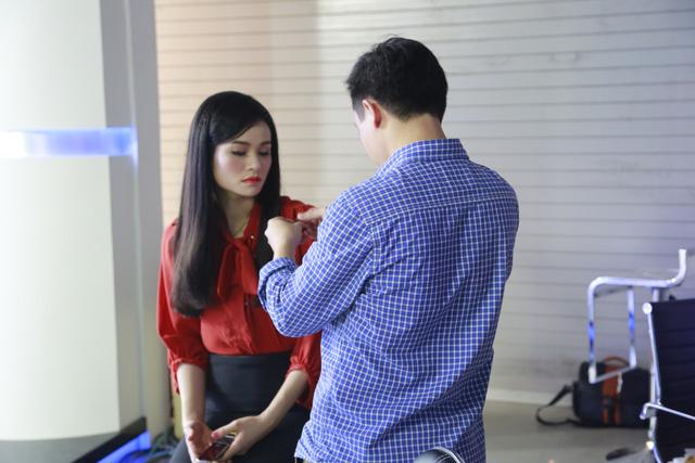 BTV Thu Hương trước giờ lên sóng