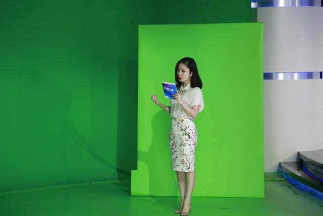 BTV Ngọc Vân chuẩn bị trước khi lên sóng
