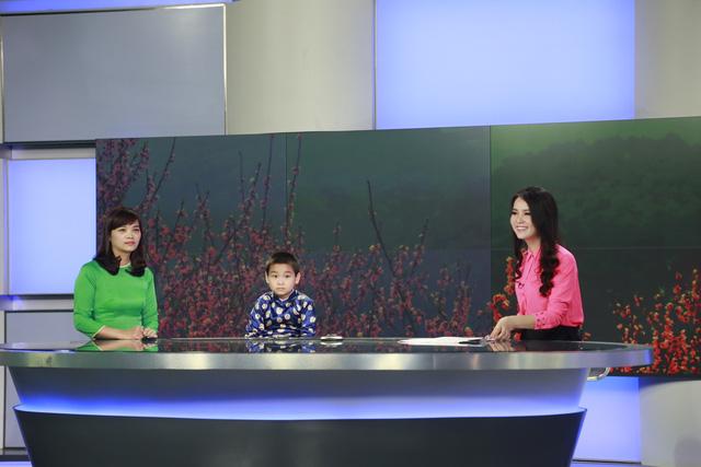 BTV Thụy Vân và khách mời của chương trình Chuyển động 24h