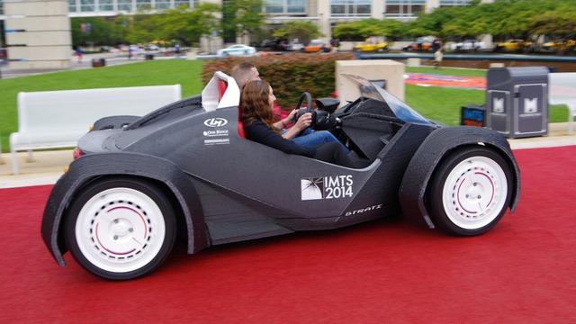 Chiếc xe Strati tại triển lãm IMTS 2014