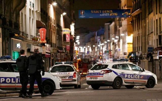 Người dân Pháp được khuyến cáo nên ở trong nhà, không đi ra ngoài để bảo đảm an toàn. (Ảnh: Reuters).