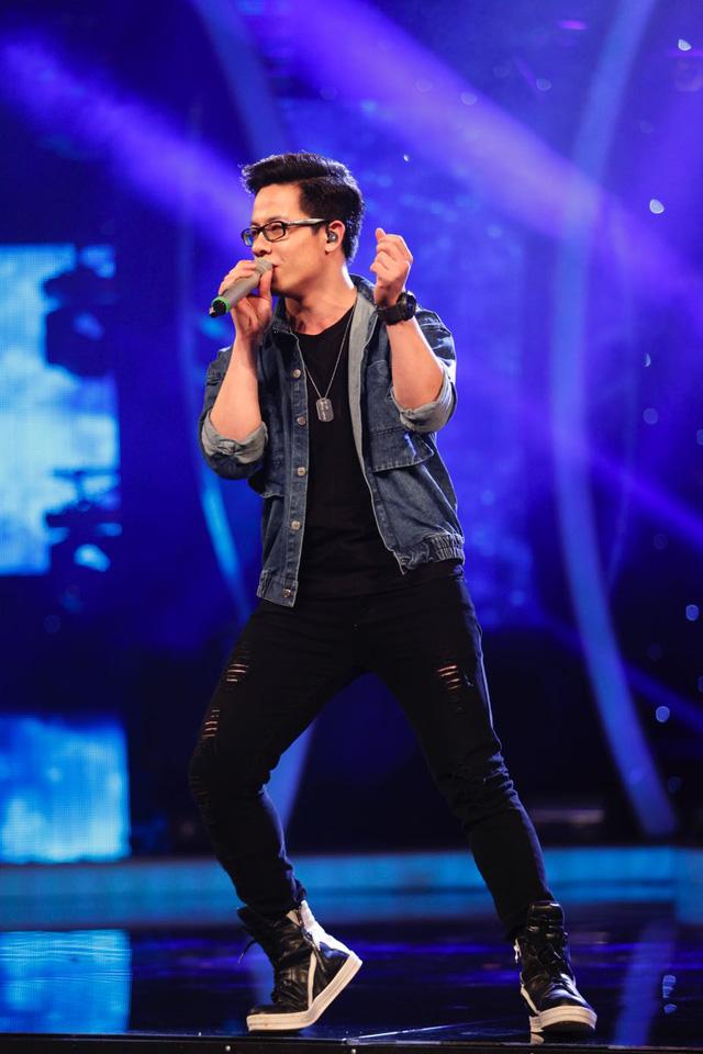 Sỹ Tuệ thể hiện ca khúc Nhớ mưa và giành được nhiều lời khen từ Ban giám khảo.