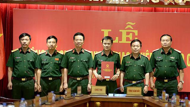 Đồng chí Tào Đức Thắng nhận quyết định bổ nhiệm