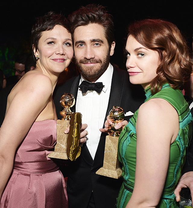 Jake Gyllenhaal thờ ơ khi gặp lại Taylor và vẫn cởi mở với những sao nữ khác.