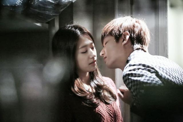 Những cảnh quay tuyệt đẹp giữa Park Shin Hye và Lee Min Ho đã làm tan chảy nhiều trái tim