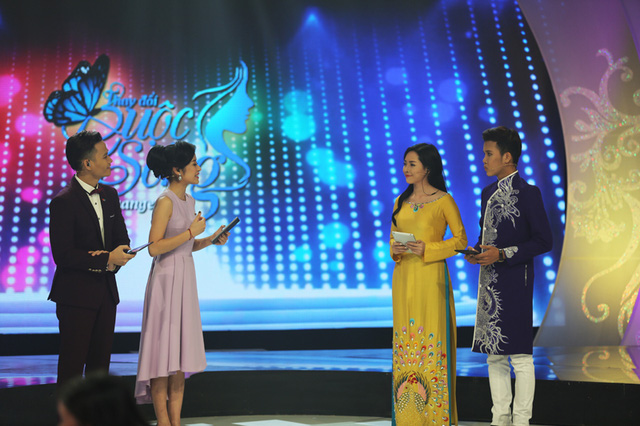 Trong đêm Gala Change Life - Thay đổi cuộc sống, bên cạnh hai MC quen thuộc với chương trình là Phí Linh và Hồng Phúc, Vũ Thanh Quỳnh và Trương Nguyễn Nam Phương cũng đảm nhiệm vai trò dẫn dắt Gala.