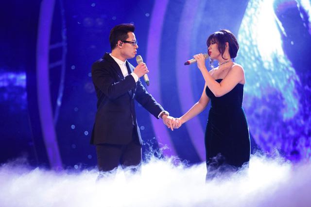 Ca khúc Say Something – một hit của The Great Big Wall và Christina Aguilera đã được Sỹ Tuệ và Thảo Nhi chọn để trình diễn trên sân khấu. Đây là màn kết hợp xuất sắc nhất và nhận được nhiều lời khen từ các chuyên gia.