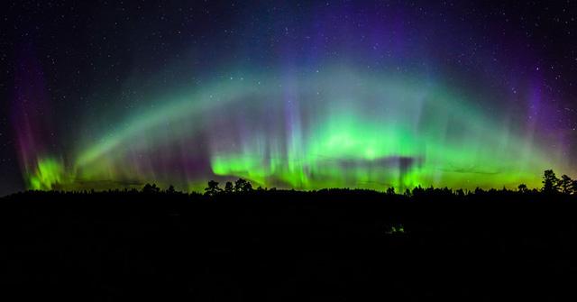 Cực quang và ánh phản chiếu. Tác giả: Kolbein Svensson