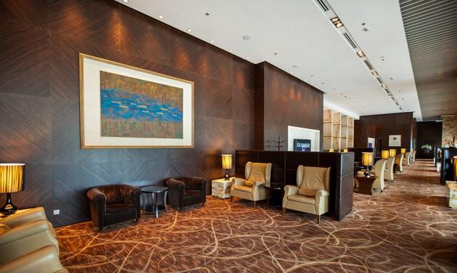 Phòng chờ riêng được thiết kế sang trọng với nội thất đầy tiện nghi, mang tới không giản mở, giúp hành khách thư giãn trước khi khởi hành