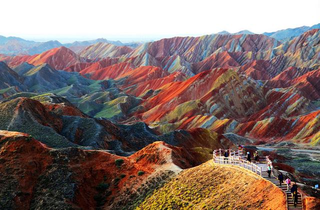Núii đá ở công viên địa chất Zhangye Danxia tại Trung Quốc