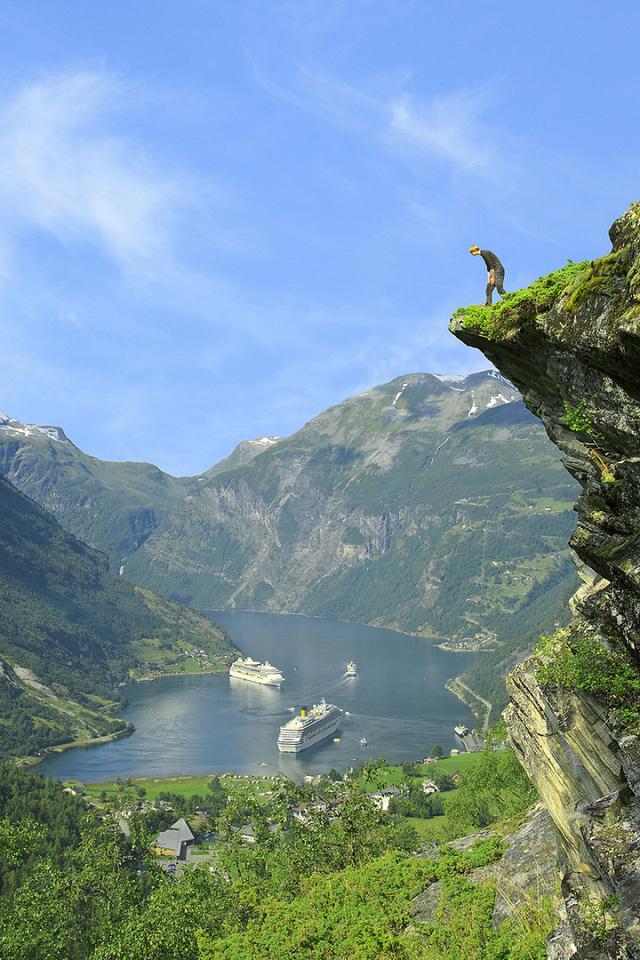 Mỏm đá Flydalsjuvet - một trong những điểm chụp ảnh nổi tiếng nhất ở Nauy.