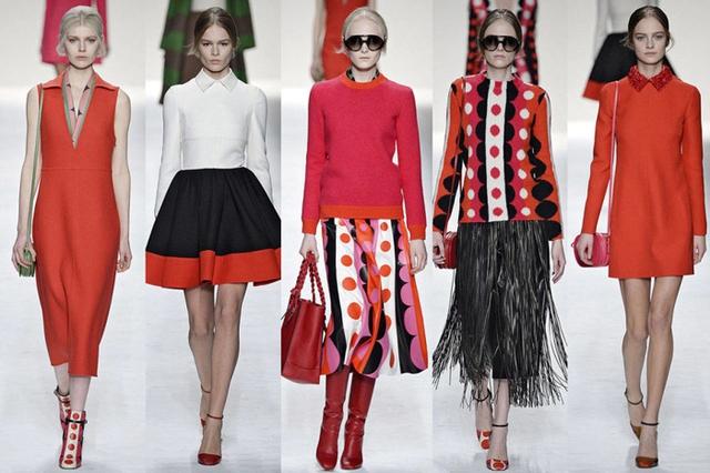 BST Xuân - Hè của Valentino nổi bật với tông màu đỏ rực rỡ, trong đó có trang phục mang phong cách Di-gan.