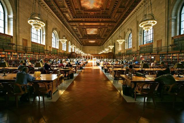 Thư viện công cộng của thành phố New York (Mỹ) là địa điểm quen thuộc với nhiều người dân nơi này mà còn nổi tiếng bởi kiến trúc mang nét cổ điển.