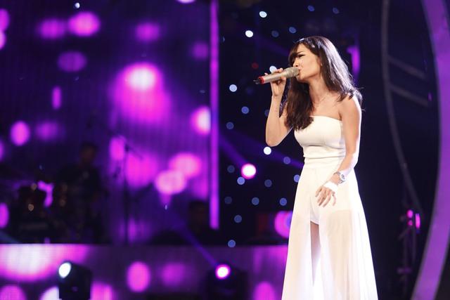 Trong lần cuối cùng trình diễn trên sân khấu Học vện ngôi sao, Thúy Hường đã chọn ca khúc Tìm lại giấc mơ của Hồ Ngọc Hà để gửi tới khán giả.