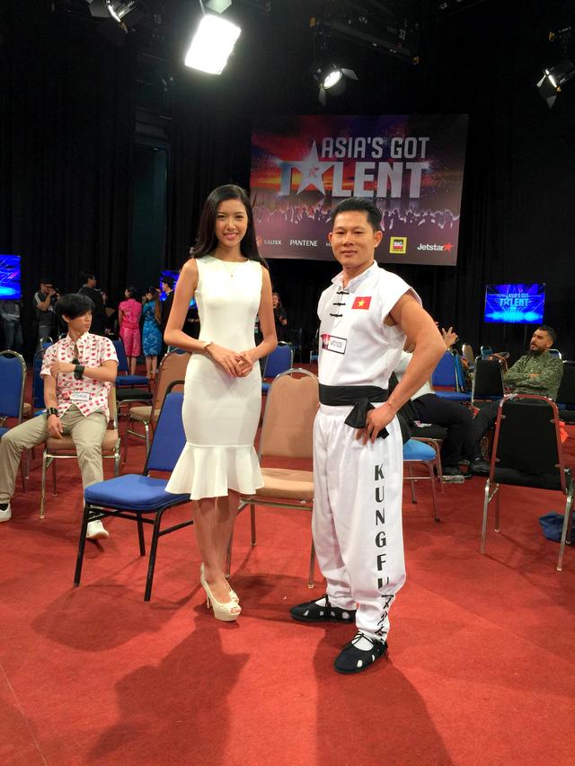 Á khôi Thúy Vân tại trường quay của Tìm kiếm tài năng châu Á