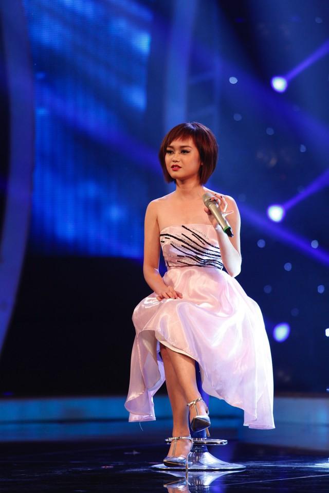 Tiểu Nương thể hiện ca khúc Bình yên trong đêm liveshow công bố kết quả tuần 7 Học viện ngôi sao