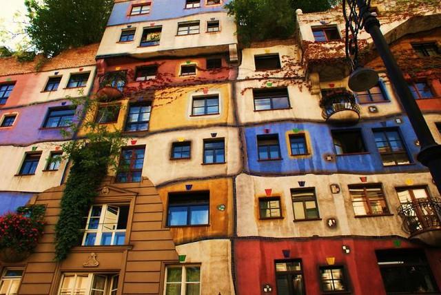 Một khu nhà tập thể ấn tượng ở Vienna (Áo)