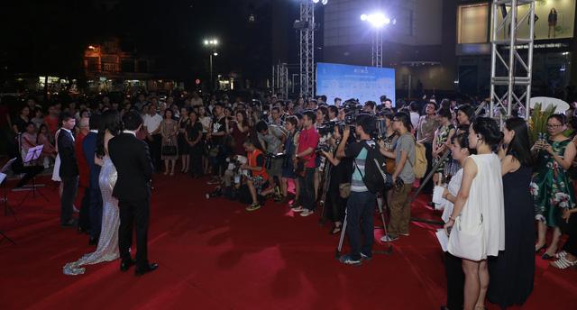 Toàn cảnh lễ ra mắt phim tại Hà Nội