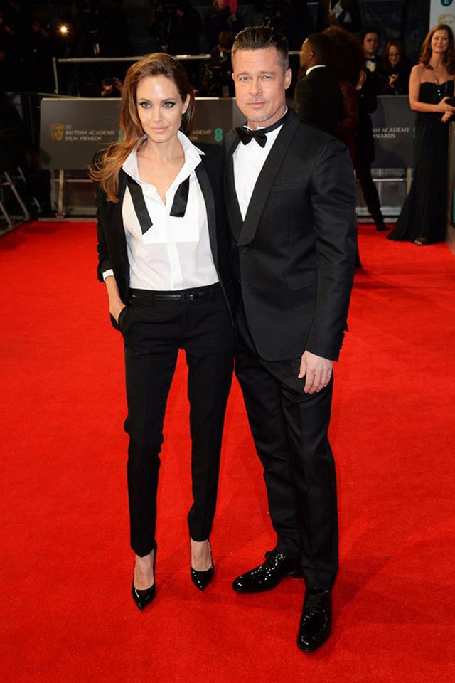 Angelina Jolie bất ngờ xuất hiện với phong cách đầy cá tính bên chồng, là tài tử Brad Pitt trên thảm đỏ Lễ trao giải BAFTA của Anh mới đây.