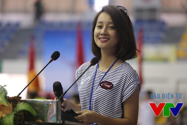 MC xinh đẹp Quỳnh Chi sẽ là người dẫn chương trình trong buổi lễ ngày mai