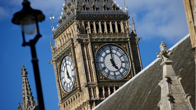 """Xếp thứ 4 là tháp đồng hồ Big Ben ở London với 8.780 bức ảnh """"tự sướng"""""""