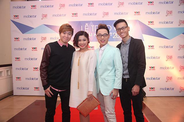Ê-kíp làm nên bản hit Bốn chữ lắm - tác giả Phạm Toàn Thắng, ca sĩ Thảo Nhi, ca sĩ Trúc Nhân và nhạc sĩ phối khí Duy Anh.