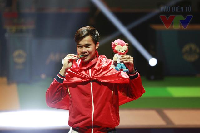 Ngay sau khi trận đấu kết thúc, các tay kiếm phải tham dự bài kiểm tra doping. Kết quả, Nguyễn Tiến Nhật đã thi đấu hoàn toàn trong sạch và mang về một tấm HCV rất xứng đáng cho thể thao Việt Nam.