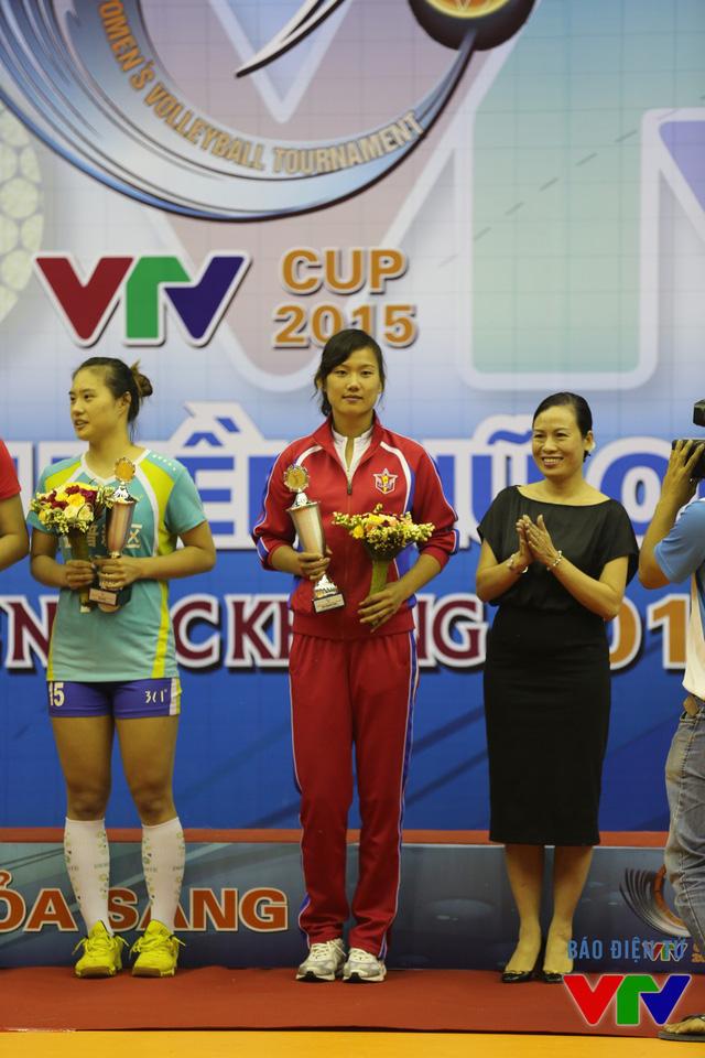 Jong Jin Sim đoạt danh hiệu VĐV toàn diện nhất tại VTV Cup 2015