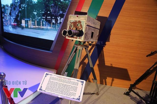 Máy quay Ngựa trời - thiết bị ghi hình buổi phát sóng chương trình truyền hình đầu tiên - đã được trưng bày tại triển lãm