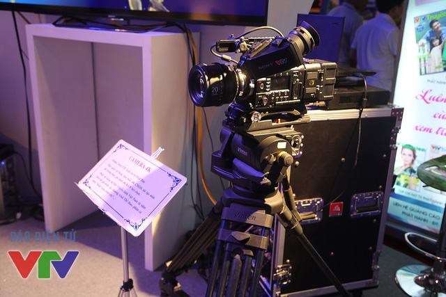 Chiếc máy quay 4K được trưng bày tại triển lãm