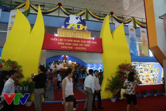 Gian hàng kỷ niệm 70 năm ngoại giao Việt Nam