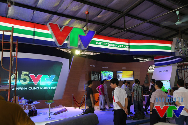 Các màn hình lớn sẽ trình chiếu những thành tựu phát triển của Đài THVN theo từng giai đoạn: Những dấu ấn thời kỳ đầu (1970-1985); Dấu ấn thời kỳ đổi mới (1986-2014) và VTV- Hướng tới tương lai (Giai đoạn từ 2015 về sau).