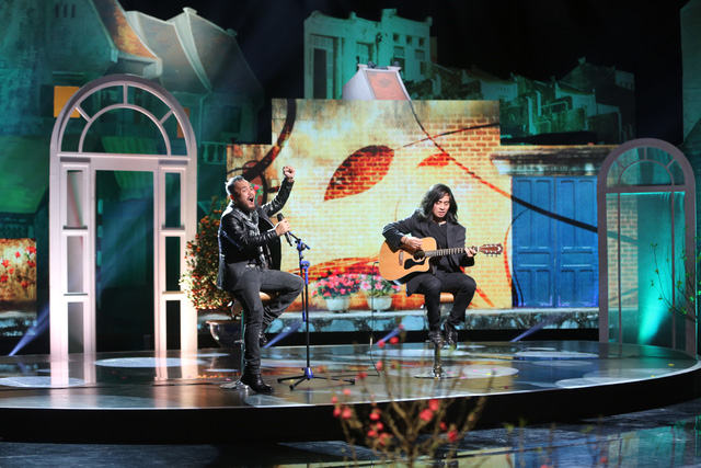 Ca sĩ Trần Lập cũng sẽ mang đến một ca khúc ý nghĩa trong ngày cuối cùng của năm.