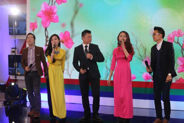 Các BTV của VTV tự tin biểu diễn trước khán giả truyền hình