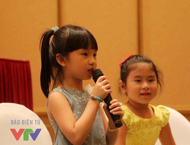 Trần Thùy Dương, 6 tuổi, đến từ trường mầm non Búp Sen Hồng, Hà Nội. Cô bé thích chơi đàn, học vẽ và có ước mơ trở thành họa sĩ. Với tính cách hiếu động và thích khám phá, Thùy Dương mong muốn tham gia chương trình Đồ Rê Mí và làm quen với nhiều bạn nhỏ.