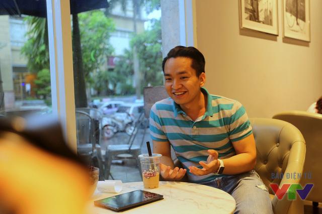 Cuộc trò chuyện với MC Hạnh Phúc diễn ra sôi nổi, hào hứng và....hạnh phúc giống như cái tên của anh chàng MC này.