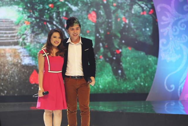 Ở Gala, Hương Giang đã có cơ hội thể hiện khả năng ca hát của mình cùng Minh Vương - một nam ca sĩ cô mến mộ.