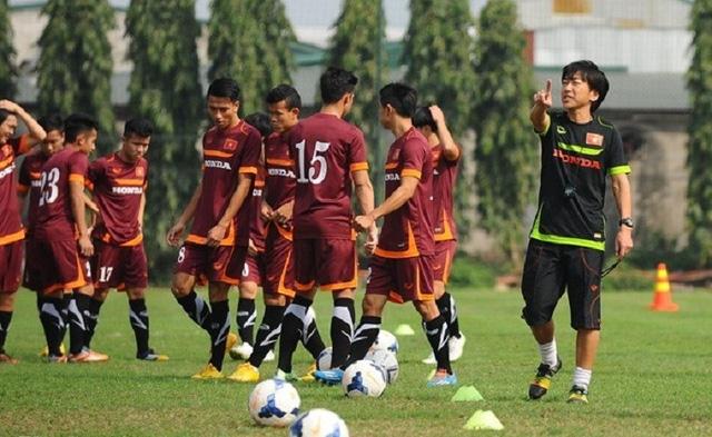 HLV Toshiya Miura  vẫn tỏ ra rất thận trọng dù U23 Việt Nam đang dẫn đầu bảng B