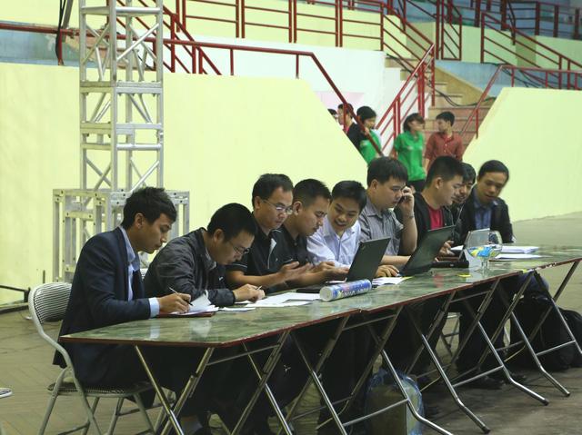 Ban Tổ chức , Ban Giám khảo và Tổ Trọng tài giải đáp thắc mắc về cuộc thi và luật thi