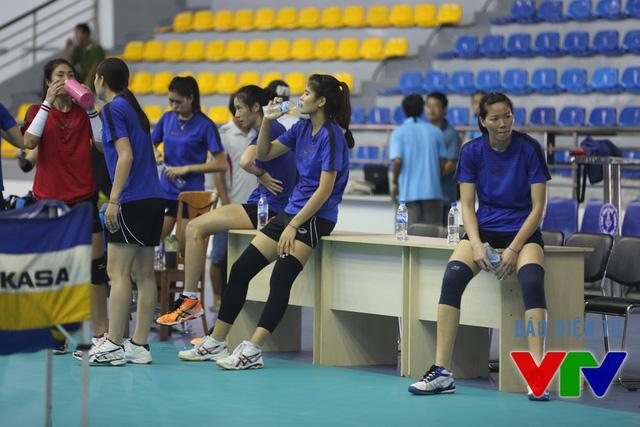 Đây là buổi tập cuối trước khi ĐT bóng chuyền nữ Việt Nam thi đấu chính thức. Trong giải, vào các buổi sáng, các cô gái bóng chuyền vẫn tiếp tục tập luyện cho các trận đấu diễn ra vào chiều, tối.