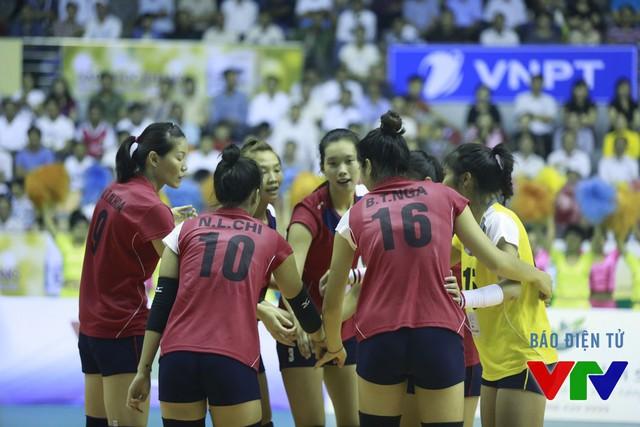 Sau 3 set, ĐT bóng chuyền nữ Việt Nam đã có chiến thắng chung cuộc.