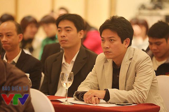Quay phim Nguyễn Tài Văn (Ban Khoa giáo) - Quay phim của Bản hòa tấu Sơn Đoòng, bộ phim thứ 2 sẽ phát sóng trong khung giờ của VTV Đặc biệt.