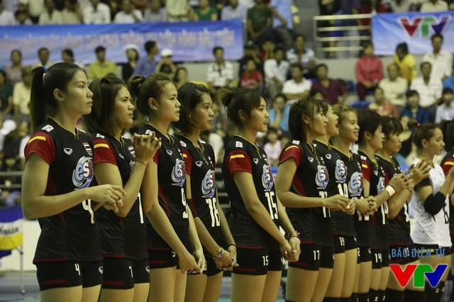 ĐT U23 Thái Lan đã chiếm trọn cảm tình của khán giả Bạc Liêu sau trận.