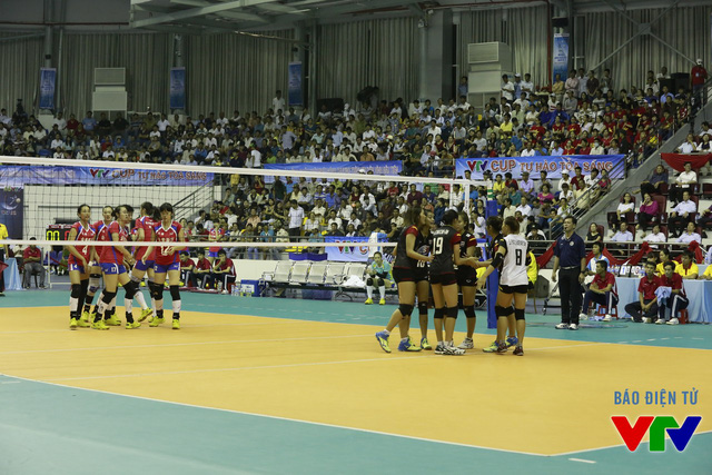 Ở set 4 quyết định, đội trẻ Thái Lan không cho CLB Liêu Ninh có cơ hội khi liên tiếp dẫn điểm.