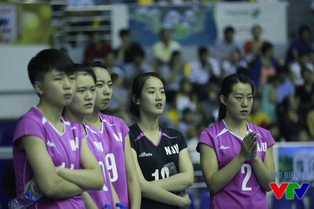 Các cô gái trẻ của Đại học Nam Kinh (Trung Quốc) lo âu mỗi khi đụng đối thủ mạnh.