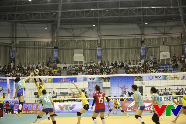 Nhưng CLB Liêu Ninh đã chứng tỏ, mình tới Bạc Liêu để chinh phục chiếc cup vô địch. Đại diện của Trung Quốc liên tục dẫn điểm và tưởng như đã có được chiến thắng.