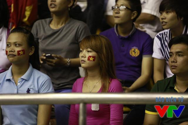 Tuy nhiên, trên đường đến với chiến thắng, không ít lần những cô gái bóng chuyền Việt Nam gặp phải khó khăn trước những đối thủ mạnh.