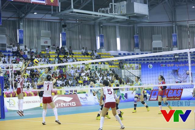 Những pha đập bóng mạnh và chuẩn xác giúp CLB Liêu Ninh (Trung Quốc) thường vươn lên dẫn điểm trong trận.